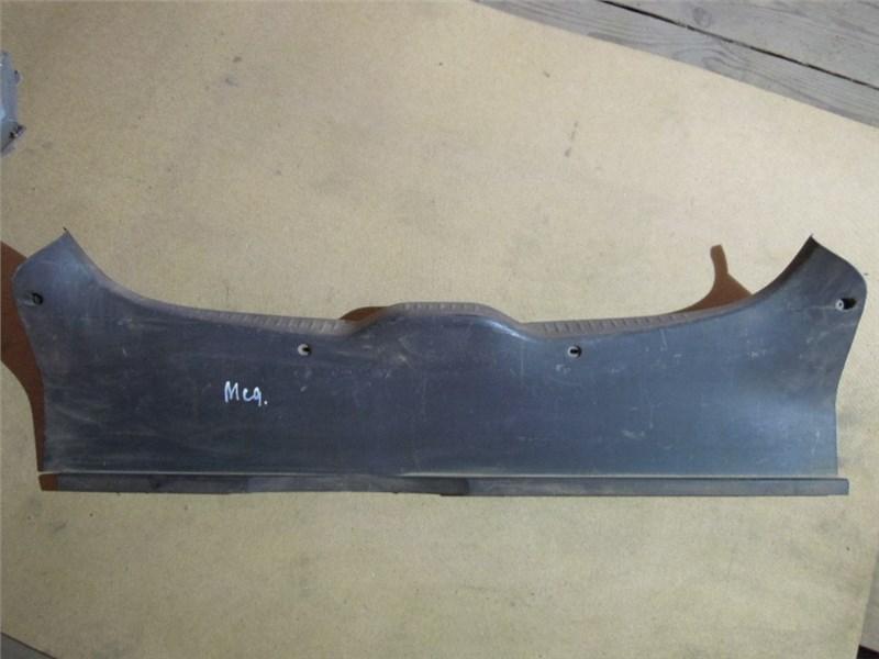 Накладка внутренняя на заднюю панель кузова